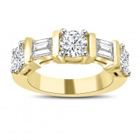 1.54 ct Round and Baguette Cut Diamond Wedding Band Ring In Yellow Gold